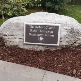 Donor Recognition - Naming & Dedication Signage - Hospice Georgian Triangle Exterior Plaque